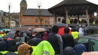 Lummense scholieren trotseren gietende regen voor het klimaat