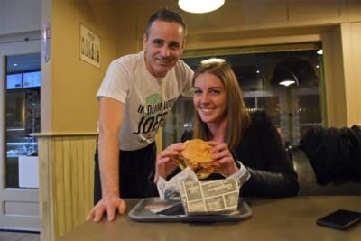 De Mol-kandidaat krijgt eigen hamburger in Peerse frituur