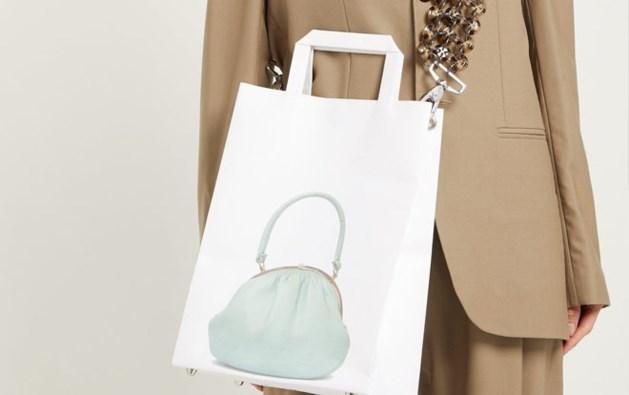 Een papieren designerhandtas? Dat is dan 450 euro