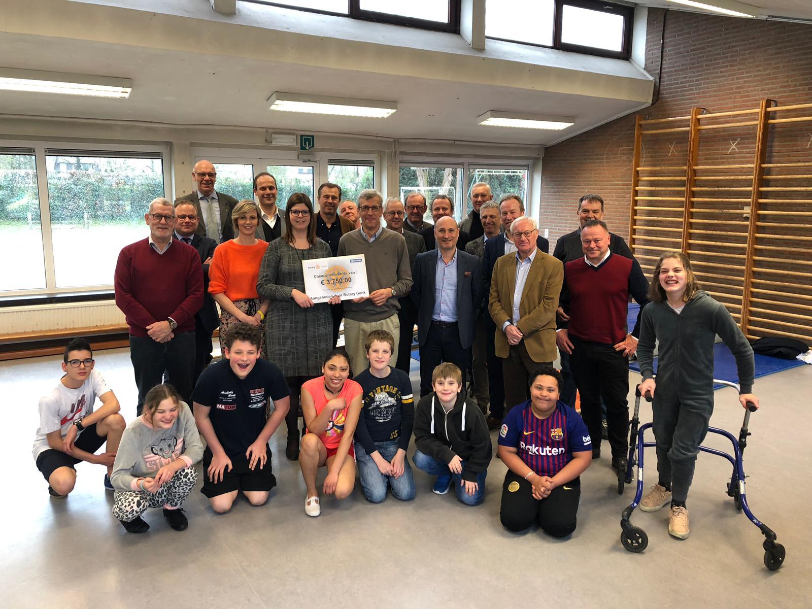 Rotary Genk Schenkt De Dageraad 15.750 Euro (Kortessem
