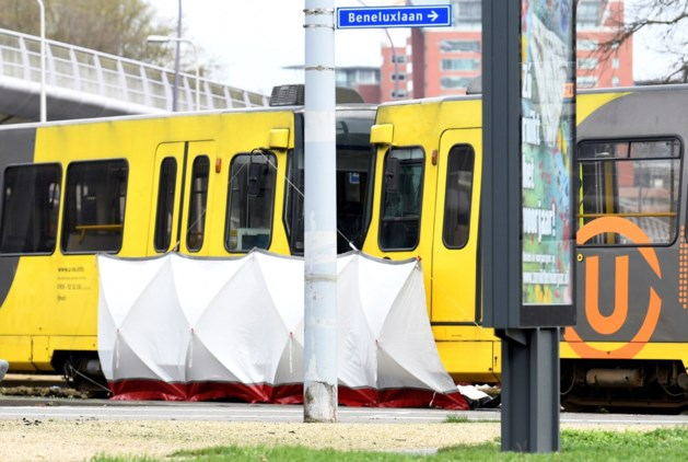 """Niels (21) zat op tram in Utrecht waar dader toesloeg: """"Ik had het gevoel dat hij het op één vrouw gemunt had """""""