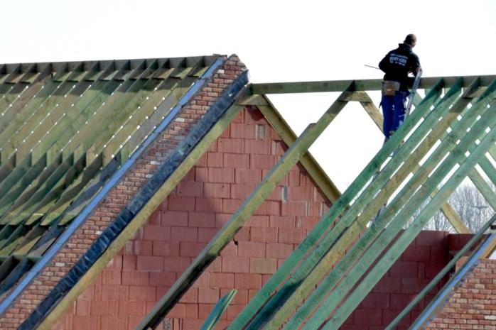Maaseikse mensenhandelaar laat bouwfirma met schuld van 197.529 euro failliet verklaren