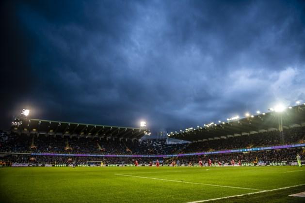 """Club Brugge legt nieuwe grasmat voor Play-off 1: """"Huidige liet niet toe om profvoetbal te spelen, afwachten of Cercle zal bijdragen"""""""