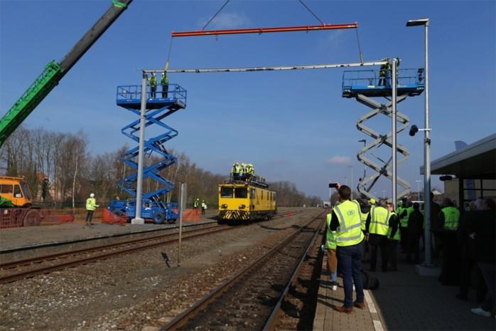 1.250 palen en 300 kilometer kabels: drie jaar lang werken aan spoorlijn Hasselt-Mol