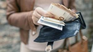 Secretaresse verduistert 400.000 euro van vakbond en het duurt vijf jaar voor iemand het doorheeft