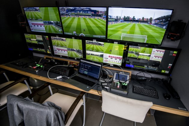 Virtuele buitenspellijn zal gebogen lijken op het tv-scherm