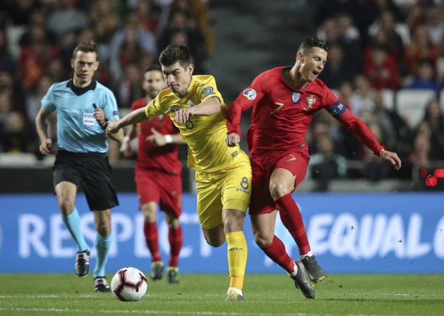 Ruslan Malinovskyi houdt Cristiano Ronaldo in bedwang
