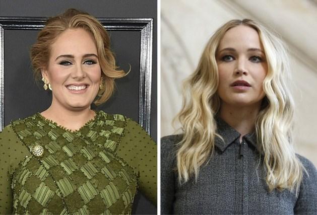 Jennifer Lawrence en Adele duiken op in homobar en dat levert leuke beelden op
