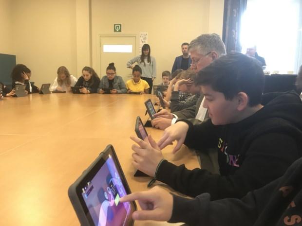 Wereldprimeur: game helpt jongeren tegen donkere gedachten