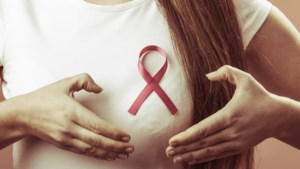 """Pink Ribbon doopt mei om tot """"stapmaand"""" tegen borstkanker"""