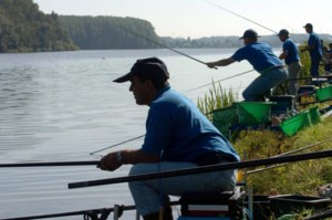 Overtreden rookverbod kan visclub 1.200 euro kosten