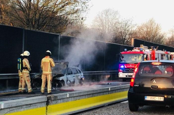 Autobrand zorgt voor zware ochtendspits op E314