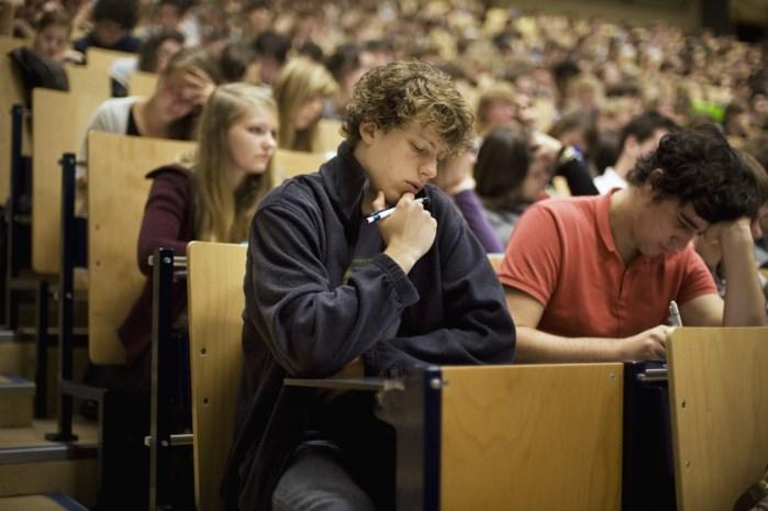Nooit meer met een slaapkop naar de les: PXL laat studenten later komen