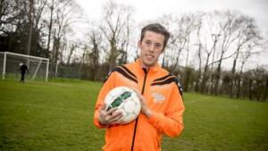 Droom komt uit: G-voetballer speelt mee bij eerste ploeg Neeroeteren