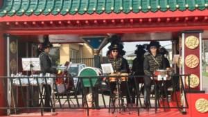 Genieten van carnavalstoet onder stralende zon in Millen