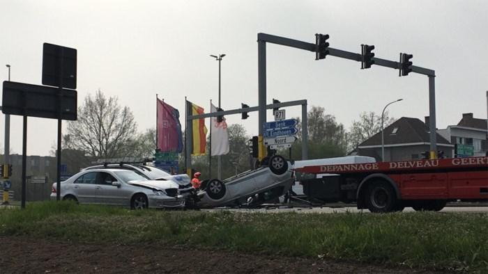 File op Grote Ring in Hasselt: verschillende auto's betrokken bij zwaar ongeval