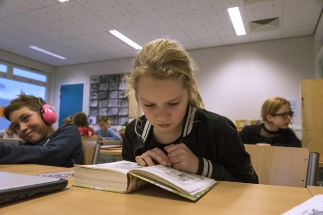 """Professor KU Leuven: """"Dringend onderzoek nodig naar kwaliteit schoolboeken"""""""