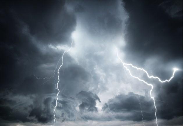 Straks kans op felle onweersbuien met veel regen in korte tijd: ook in Limburg