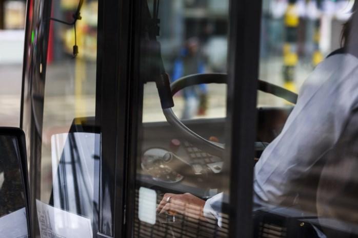 """Diestenaar wrijft over borsten en benen op bus: """"Ik wou alleen maar contact leggen"""""""