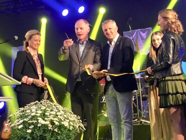 Vernieuwde doortocht van Smeermaas feestelijk ingehuldigd