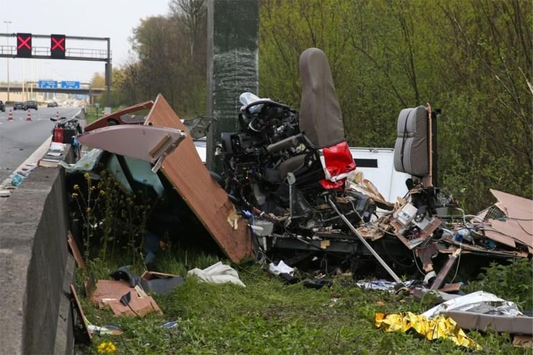Twee doden bij zwaar ongeval op E313, snelweg bijna vijf uur afgesloten