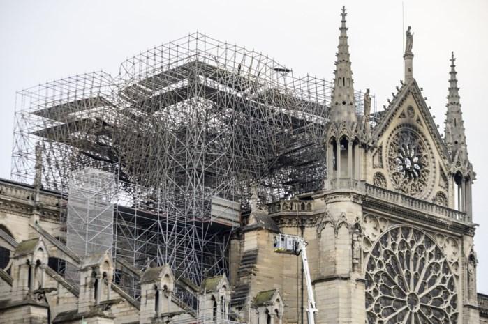 """Parijs ontwaakt: """"Immens verdriet, maar ook hoop voor de toekomst"""""""