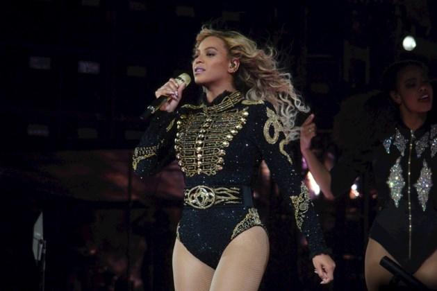 Beyoncé lanceert onverwacht nieuw album