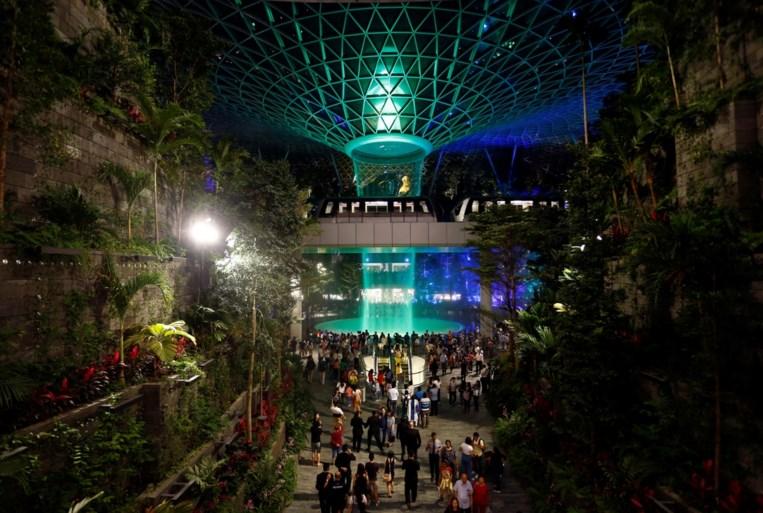 Veel meer dan een luchthaven: hoogste indoorwaterval ter wereld  in nieuwe vleugel van Singapore Airport