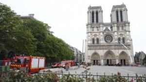 Tijdelijke kathedraal in hout wordt opgetrokken op voorplein Notre-Dame