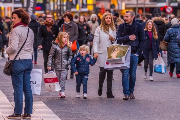 Consumentenvertrouwen na beperkte opflakkering opnieuw licht gedaald