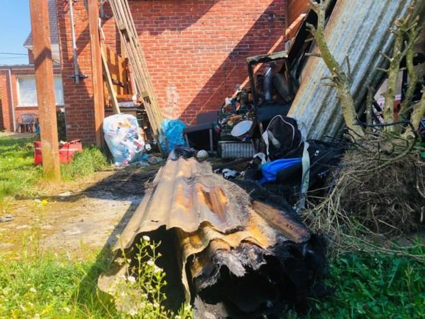 Tuinhuis in brand nadat bewoonster onkruid wil wegbranden