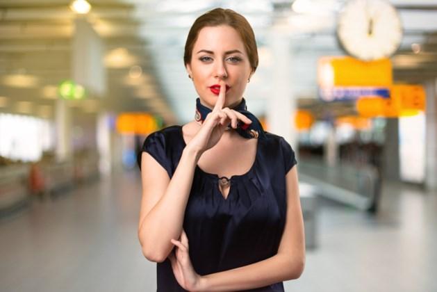 """Stewardess onthult de geheimen van de 'mile high club': """"Mijn chef gaf een koppel een erehaag en een fles champagne cadeau"""""""