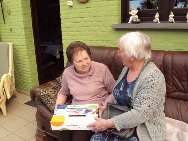 Samana Kerkhoven bezorgt paasontbijt aan thuisgebonden zieken