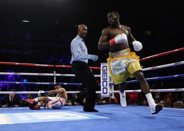 Crawford verslaat Khan en behoudt WBO-titel bij weltergewichten