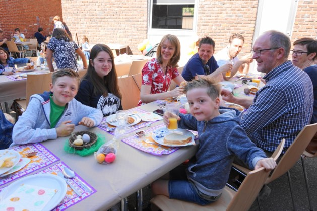 160 bezoekers voor paasbrunch tijdens Pasen@Runkst