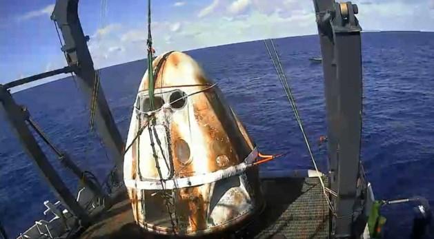 Zwarte rook boven Cape Canaveral: mysterieus incident met ruimtecapsule SpaceX kan bemande vlucht vertragen