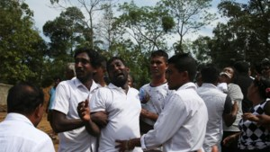 Al 310 doden na aanslagen in Sri Lanka, noodtoestand van kracht