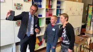 Kinderen leren politici omgaan met sociale media
