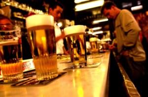 Cafébazin voor rechter na verjagen klant met deodorant