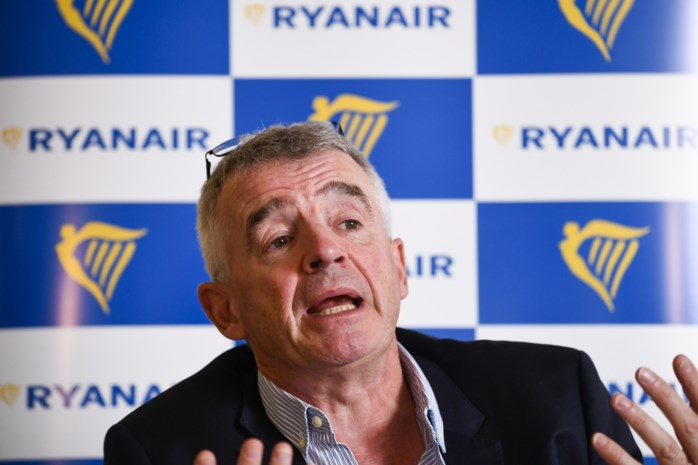 Stewards en stewardessen Ryanair verdienen nauwelijks meer dan 900 euro bruto per maand