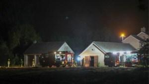 Vrachtwagen met vaten uitgebrand aan grens met Bocholt