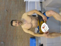 Bert Arnauts verbetert 4 records reddend zwemmen