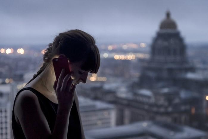 Telefoontje binnen Europa mag maximaal nog 19 eurocent per minuut kosten