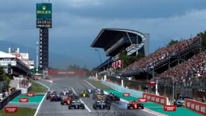 Lewis Hamilton wint in Barcelona, Max Verstappen mag mee op podium