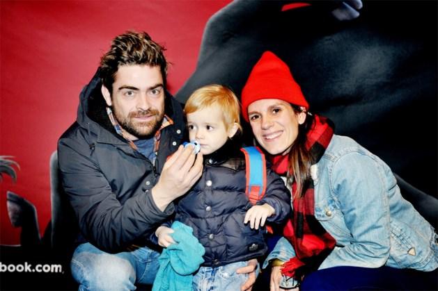 Pedro Elias scheert haar af voor zoontje (3) met kanker