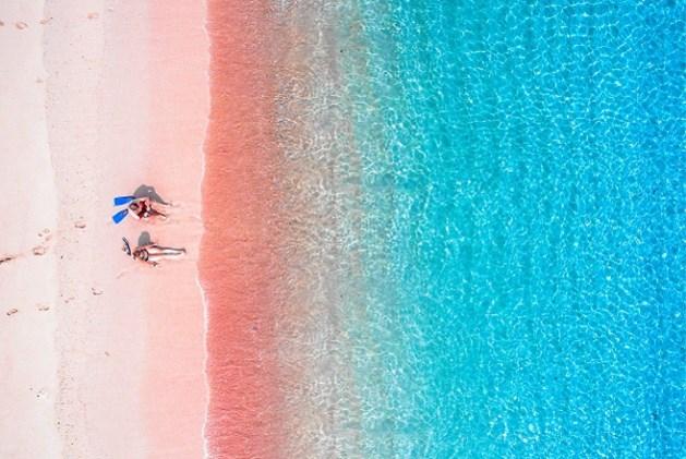Voor de mooiste roze stranden moet je hier zijn