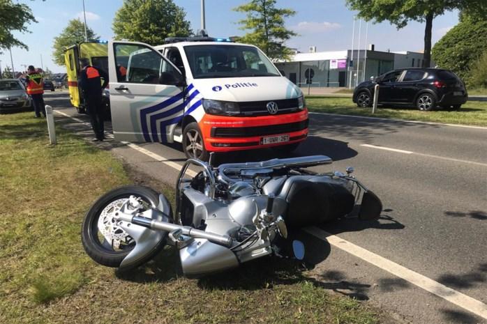 Motorrijder zwaargewond na uitwijkmanoeuvre