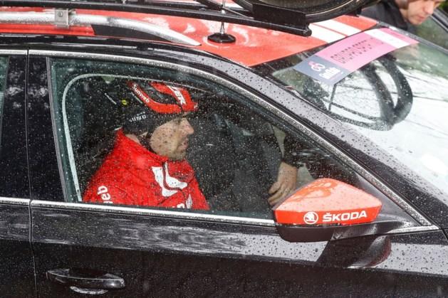Tom Dumoulin geeft meteen op in Giro, ook Jelle Vanendert gooit de handdoek
