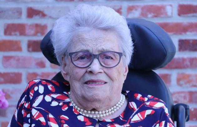 100-jarige Maria Everaerts kreeg zeven meisjes en twee jongens
