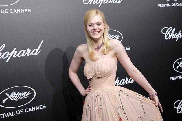 Te nauwe jurk doet Elle Fanning flauwvallen in Cannes
